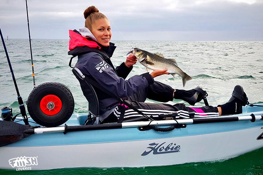 Manon / L'apprentissage de la pêche en kayak